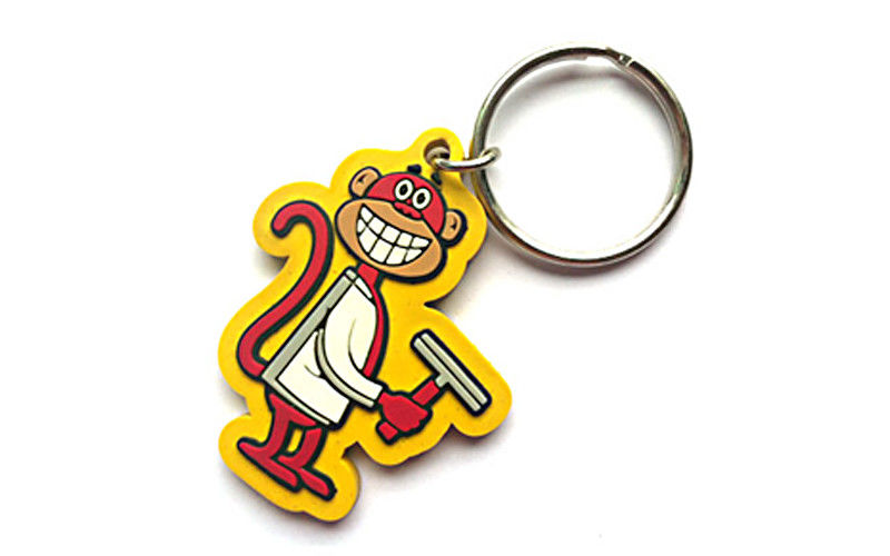 Popular Cartoon Rubber 3D Keychain , Rubber Keychains Wholesale Radish Shaped